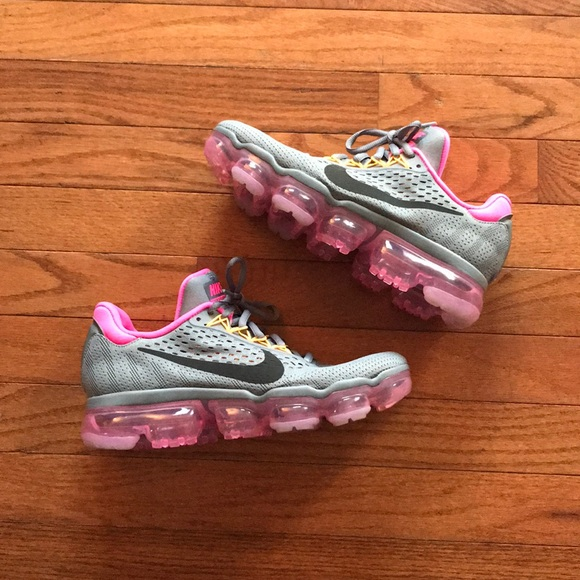 separation shoes 3bcd2 14330 SAMPLE Nike Air Vapormax 2016/17 Hyper Pink Sz 8